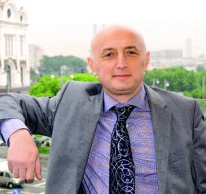 Председатель оргкомитета выставки Давид Вартанов