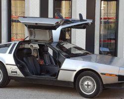 DeLorean отмечает 40-летний юбилей